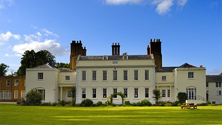 COUPLES DAY OUT - Hotel Escape with Dinner for Two £149.00!