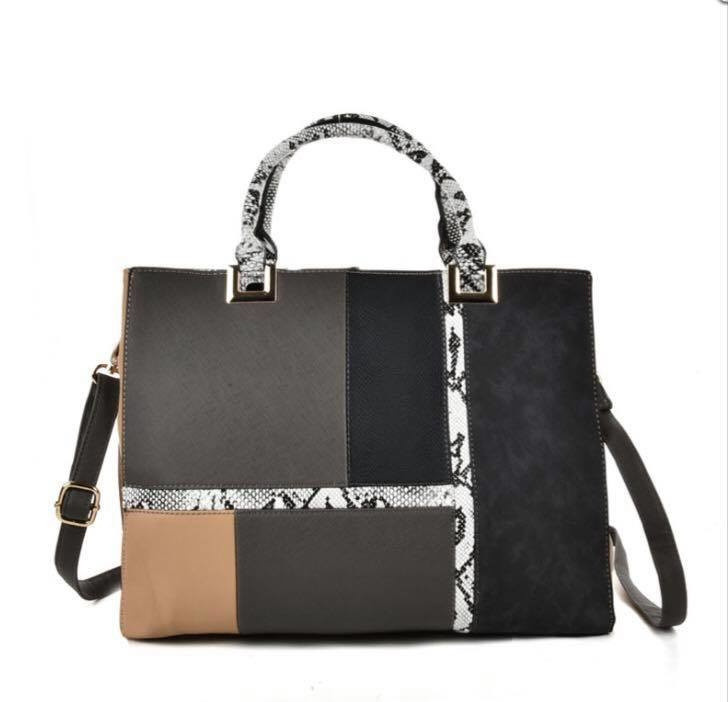 New bags & purses now in stock! Bags are £25 and Purses are £8.99