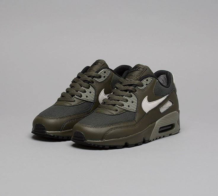 SAVE £10 on Nike Junior Air Max 90 Mesh Trainer in Khaki Black Anthracite! | Footasylum Deal