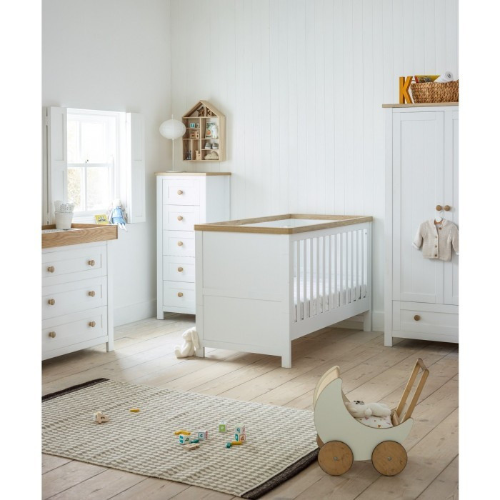 Kidsmill Bretagne Oak Nursery Furniture Set This Was Designed To Do Full Justice The Natural Colour Variations Of Beautiful Wood
