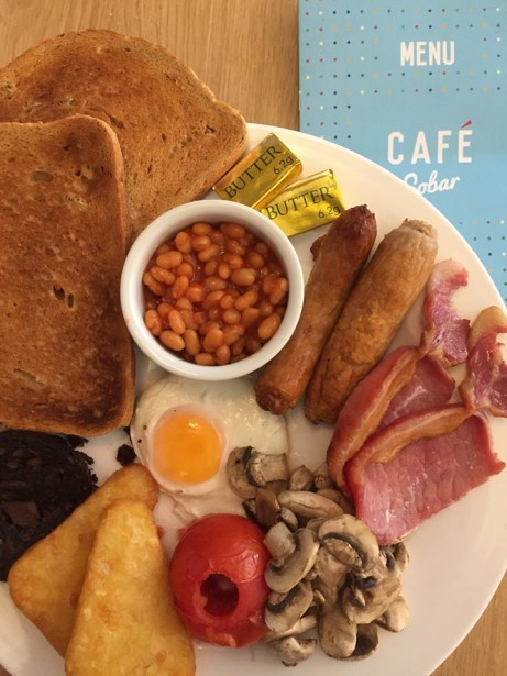 Order a English Breakfast before 10:00am and we'll give you a free Everyday Tea or regular Americano