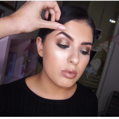 Soft brown smokey eyes are perfect for Autumn/Winter!