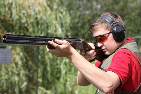 SAVE OVER 40% on this Clay Pigeon Shooting Experience!