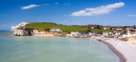 SAVE OVER 45% on this Isle of Wight: 5-night cottage stay for up to 4!