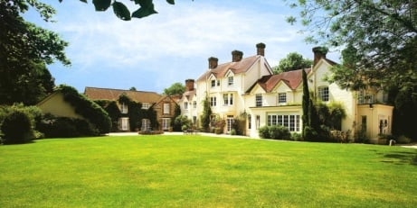 £97 OFF this Hampshire Break for 2 with 3-course Dinner!