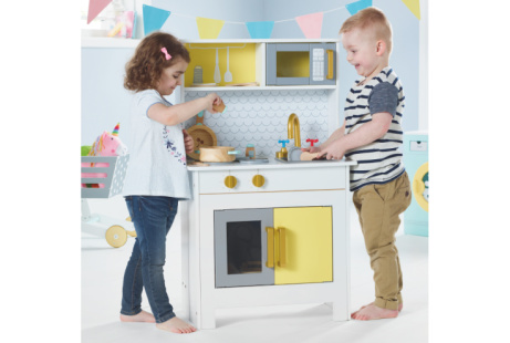20% OFF this Wooden Foldaway Kitchen!