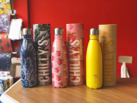 Guess what we've got back in stock.. our ever so popular @chillysbottles!