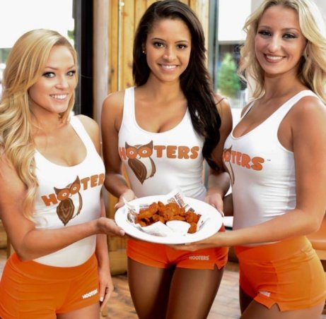 Start your week right with Unlimited wings and cocktails with us at HOOTERS!