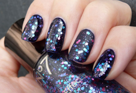 FREE No7 Nail Effects when you spend £10 on selected No7 Cosmetics!