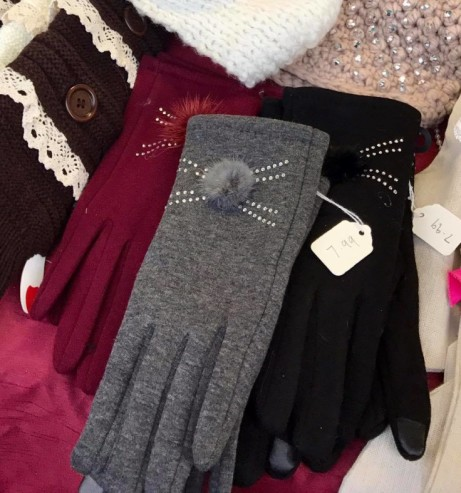 Diamanté pom pom touch screen gloves- £7.99 or 2 for £14