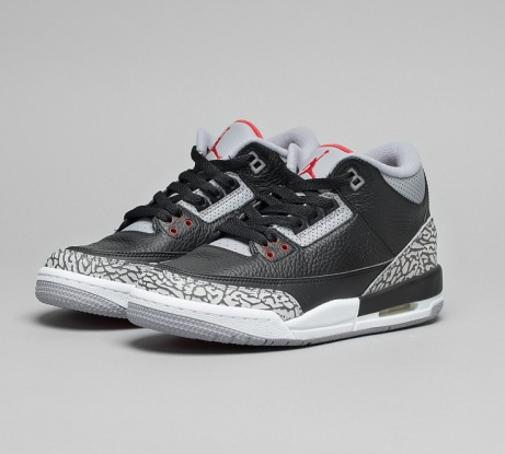 £20 OFF Jordan Junior Jordan 3 Retro OG Trainer in Black / Fire Red / Cement Grey!
