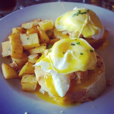 Pacific Northwest Breakfasts - Seattle Smoked Salmon Benedict £7.50!