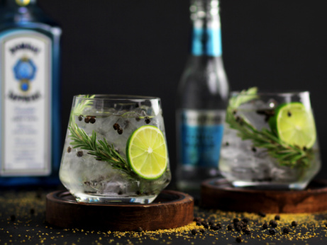 Gin Thursdays - 2 selected Premium Gins and a mixer for just £6.50!