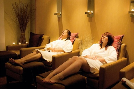 LESS THAN 1/2 PRICE - Blissful Spa Day Choice for 2 - UK Wide!