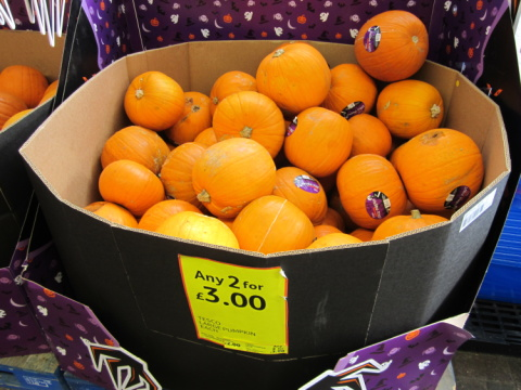 GET HALLOWEEN READY - Pumpkins from just £1.00!