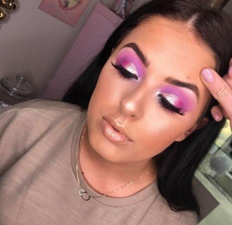 A spare hour always leads to makeup looks; book now for a FULL makeover!