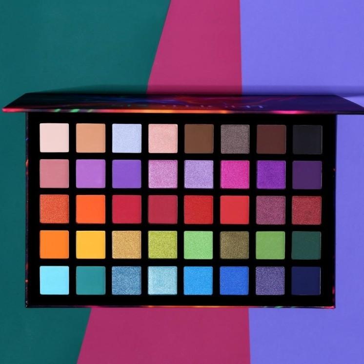 Spotlight Eyeshadow Palette