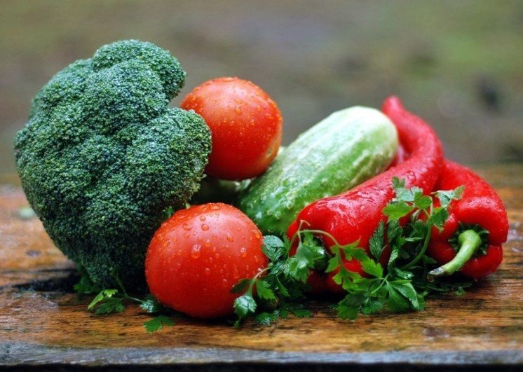 You are just a few clicks away from having fresh fruit and veg delivered right to your door..