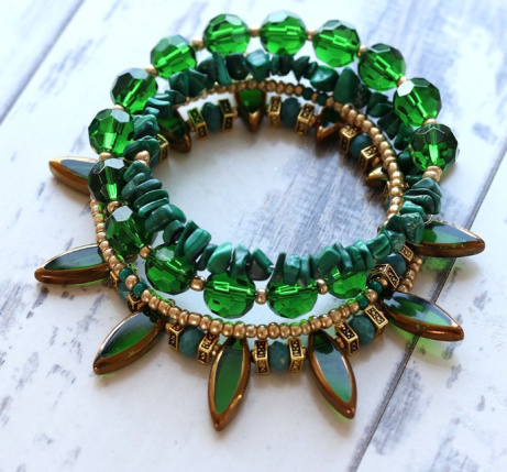 Emerald green and gold wrap bracelet - £22.00!