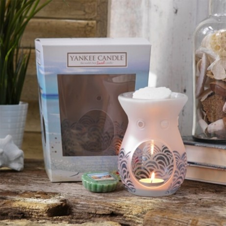 YANKEE CANDLE Coastal Living Melt Warmer & 4 Wax Melt Gift Set - ONLY £17.49
