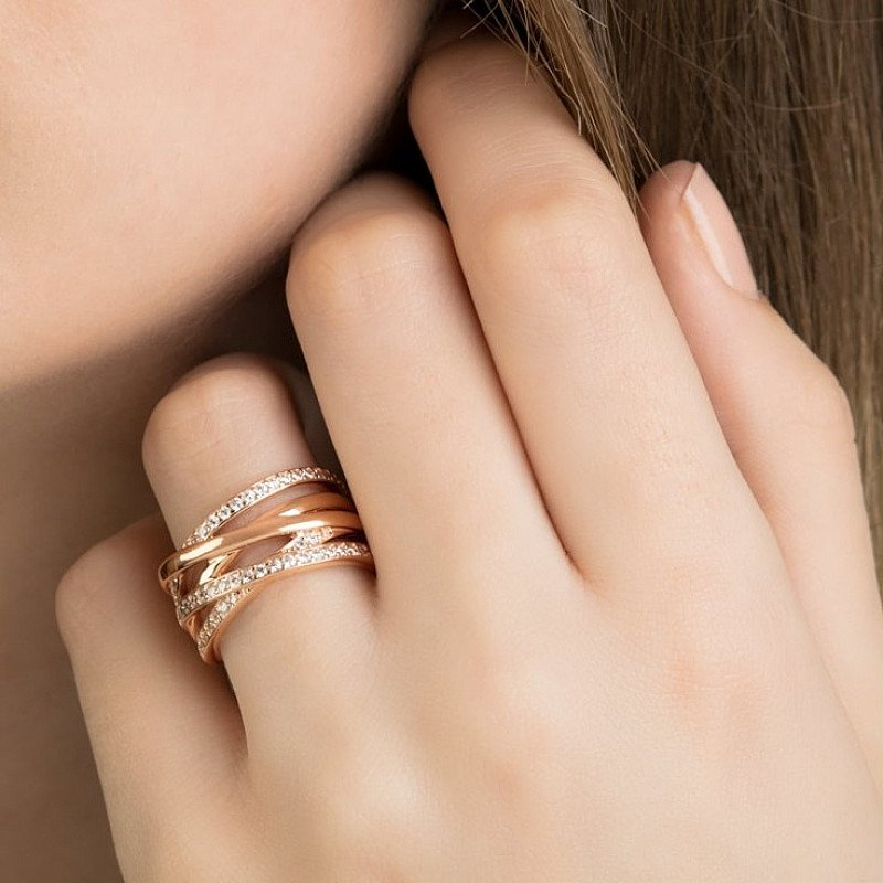 The perfect Mothers Day Gift - Entwine Ring £130.00!