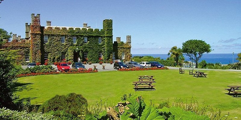 £69 – Cornwall: St Ives castle stay with extras, 59% off!