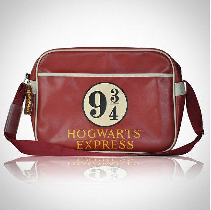 Save over £7.50 on this HARRY POTTER PLATFORM 9 3/4 RETRO BAG