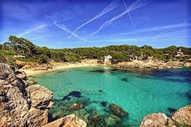 Fly to Mallorca from East Midland for 7 nights from £169pp - SAVE UP TO 47%