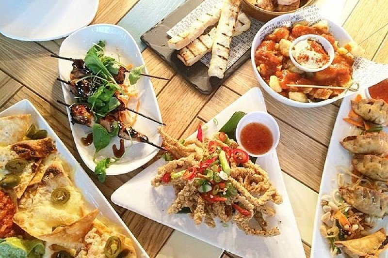 TAPAS TUESDAY - 4 Plates & Wine for ONLY £20!