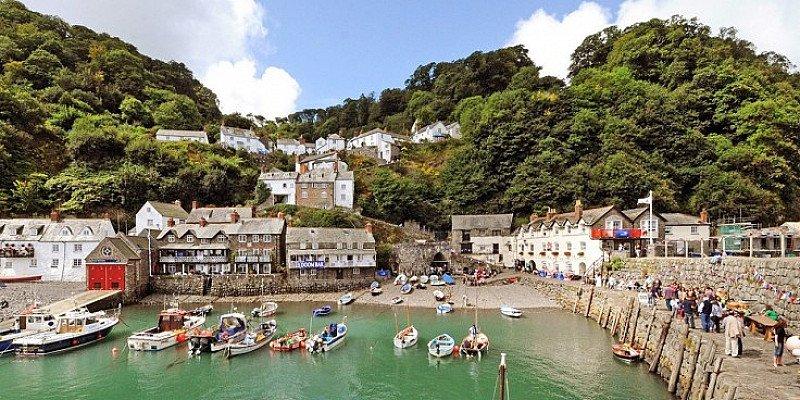 Devon: 2-night coastal escape for 2 including meals - SAVE 52%