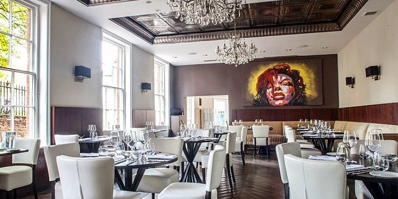 SAVE up to 53% on 'Superb' 3-course Lunch/Dinner for up to 4 in Nottingham City Centre!