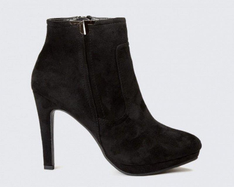 20% OFF - Black Platform Heel Ankle Boots!
