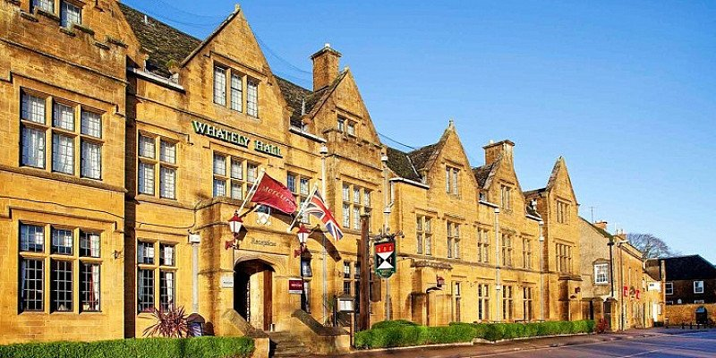 Oxfordshire: 'Historic' Inn stay with Dinner - ONLY £99!