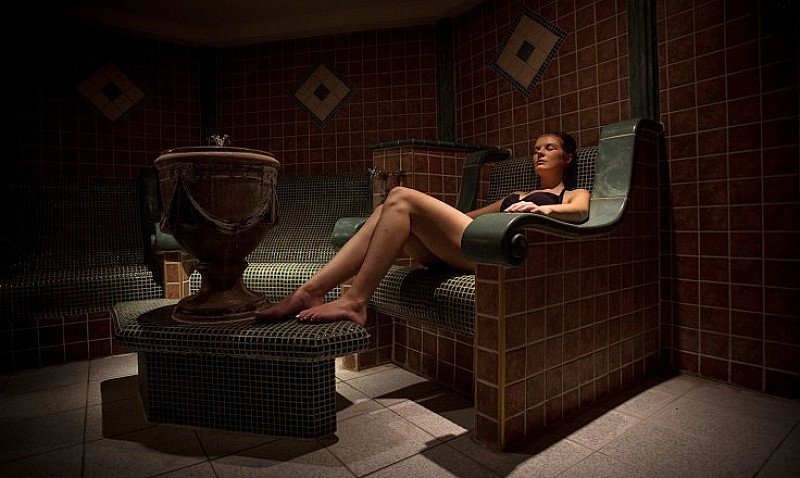SAVE up to 54% on Alton Towers Spa Experience with Massage!