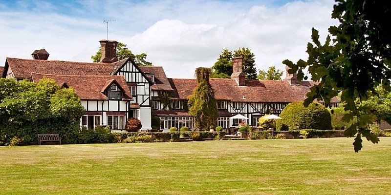 SAVE 36% on this Sussex Country House Break for 2 including Dinner - ONLY £99!