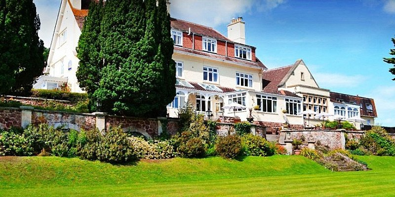 OVER 40% OFF this Somerset escape for 2 with 4-course Dinner!