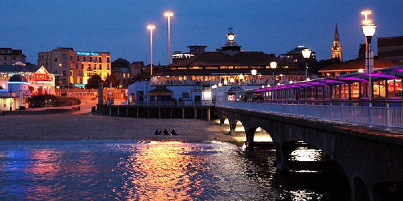SAVE 30% on this Bournemouth Seafront hotel stay for 2 including Dinner!