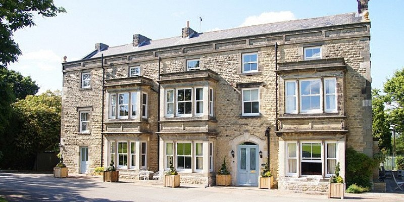 SAVE OVER 1/3 on this Yorkshire Country House Getaway for 2 with Meals!