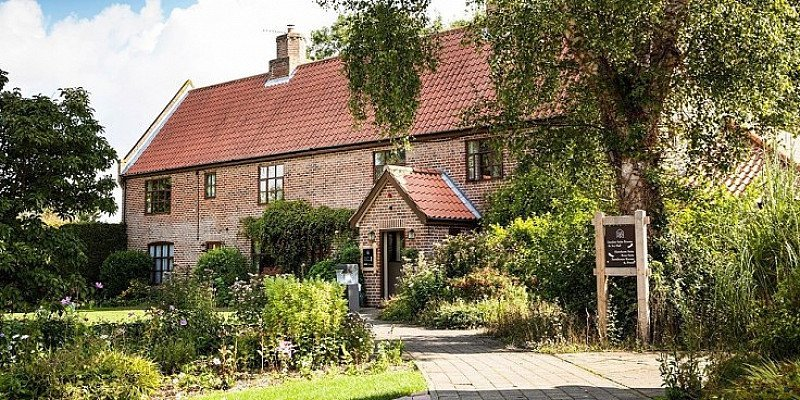 46% OFF Suffolk 2-night Country House stay for 2 with meals - ONLY £159!