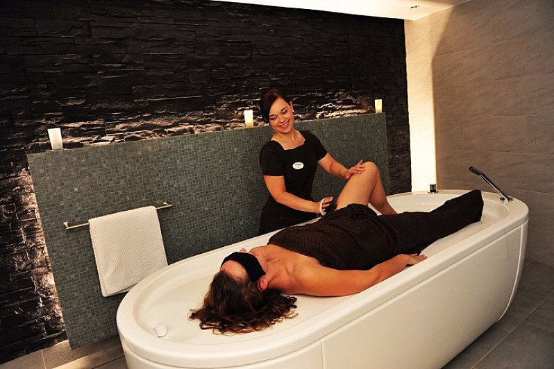 SAVE OVER 40% on this Spa day with 60-min Massage/Facial & Lunch!