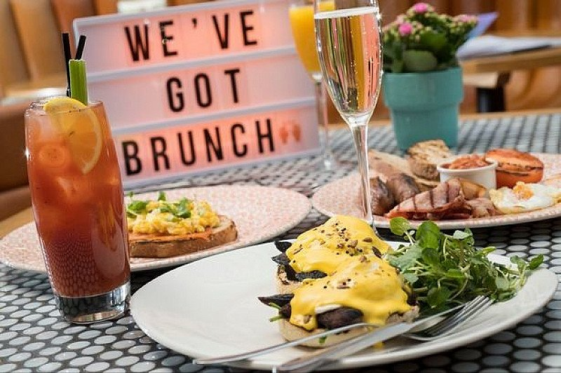BOTTOMLESS BRUNCH & Unlimited Prosecco/Cocktails ONLY £25!