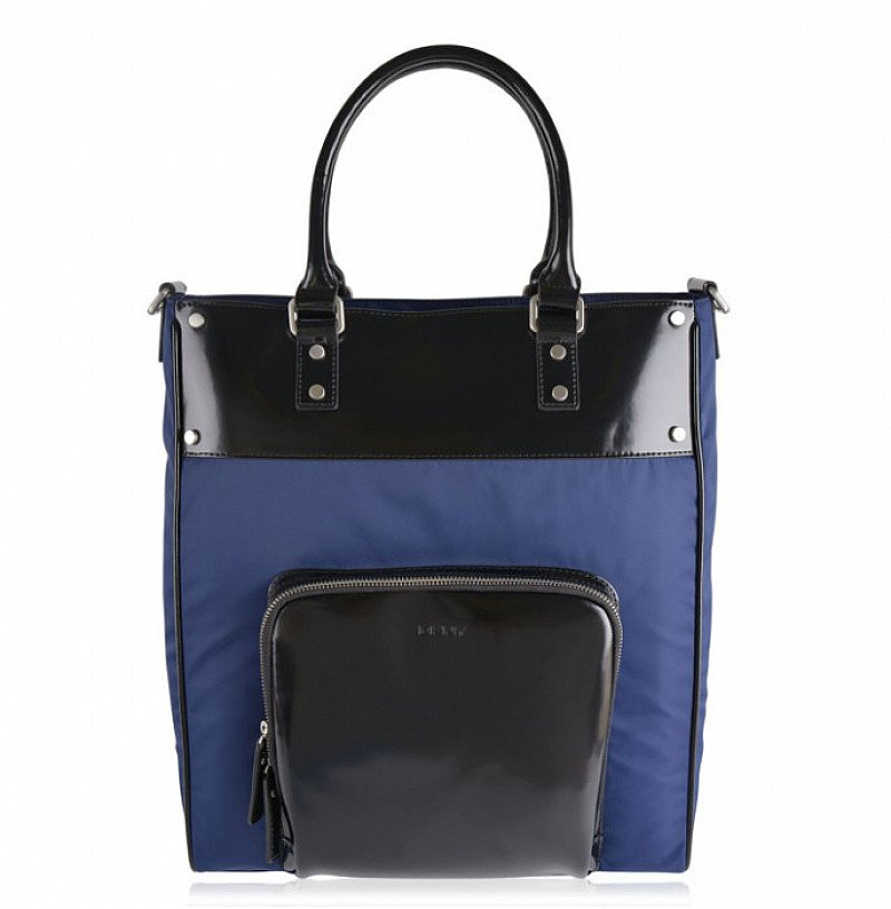75% OFF this DKNY Panel Holdall!