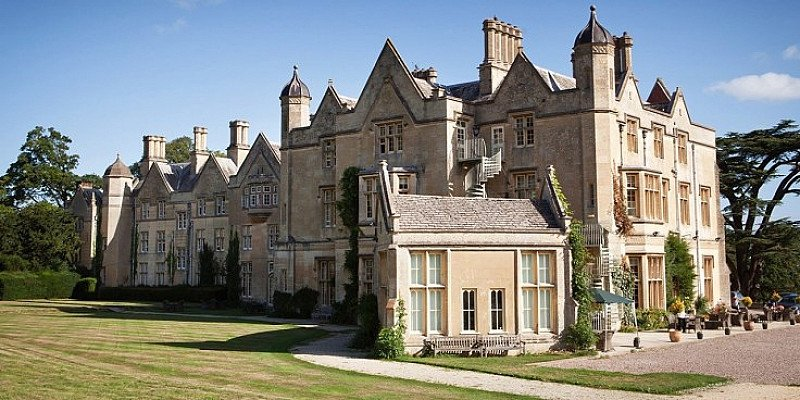 SAVE OVER 30% on a Stay for 2 plus Meals at this Cotswolds Manor with Private Lake!