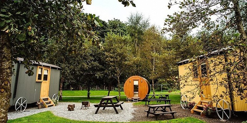 ONLY £59 for Lancashire shepherd's hut stay for 4 - SAVE 55%!