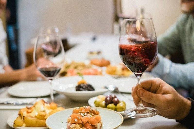 Dîner et vin - 2 / 3-course Dinner with Wine - TONIGHT!