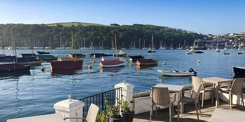 OVER 30% OFF this Cornwall coastal break for 2 with 3-course dinner,!