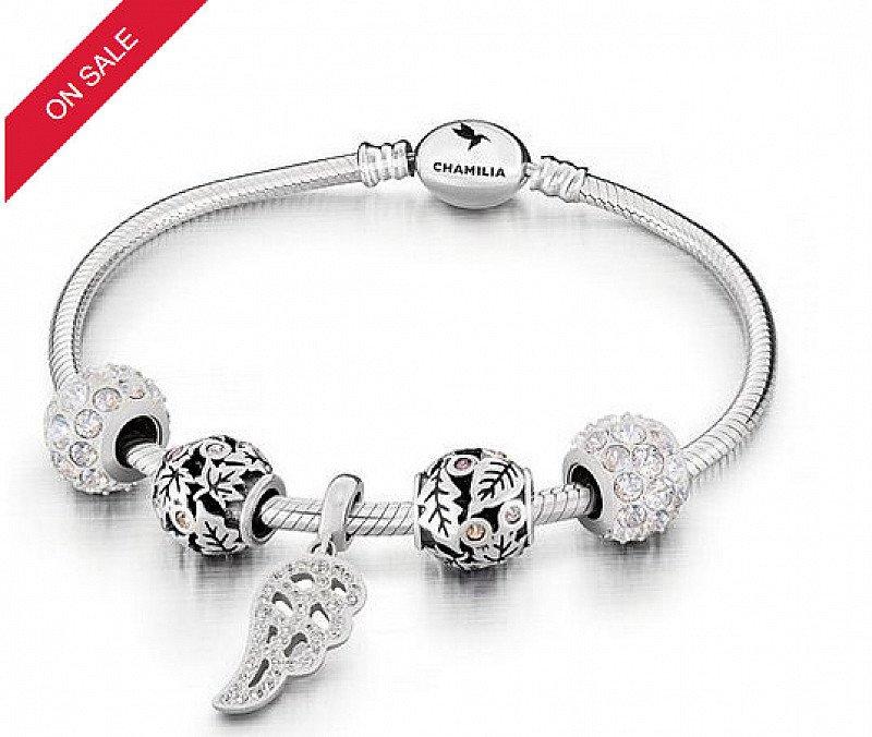 SAVE £200 on this Chamilia Five Charm & Bracelet Gift Set!