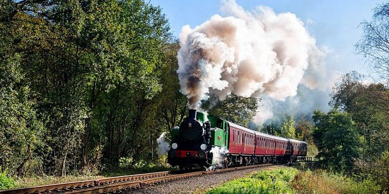 SAVE OVER 60% on Staffordshire steam train trip for 2!