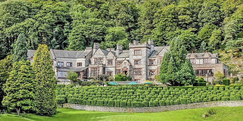 OVER 45% OFF - Lake District Spa Day with Massage or Facial & Lunch!