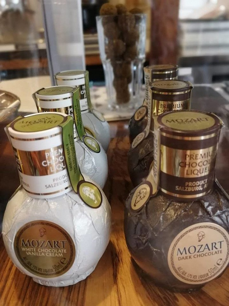 Have you tried our delicious Chocolate liqueur cups by LIQUORE DI MOZART?